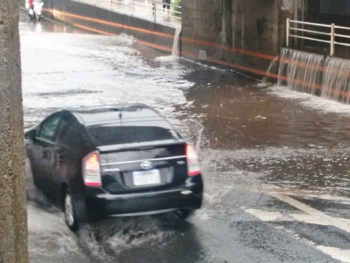 梅雨の交通事故