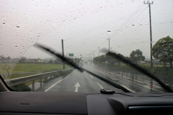 梅雨は交通事故が多発する季節!ドライバーなら知っておきたい梅雨時の安全運転対策
