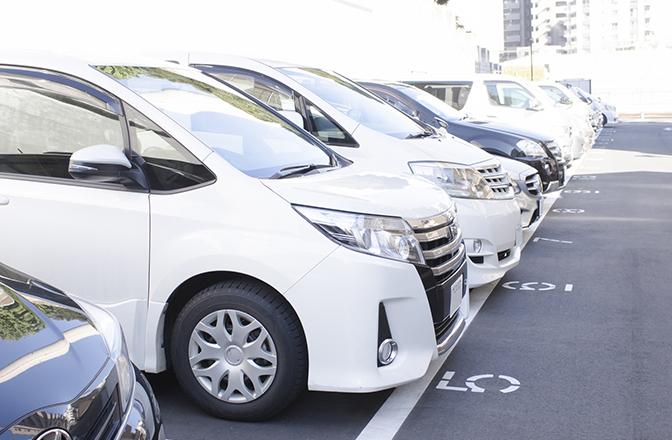 駐車場内で交通事故に遭った場合、過失割合はどうなるの!?