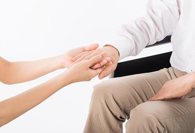 高齢者の親が交通事故に遭ったときの慰謝料はどうなるか?