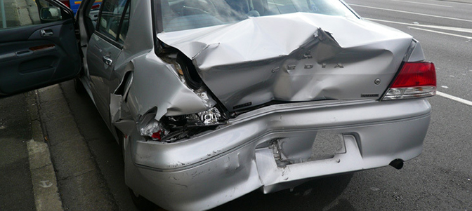 車が全損した場合に請求できる代車などの費用や慰謝料について