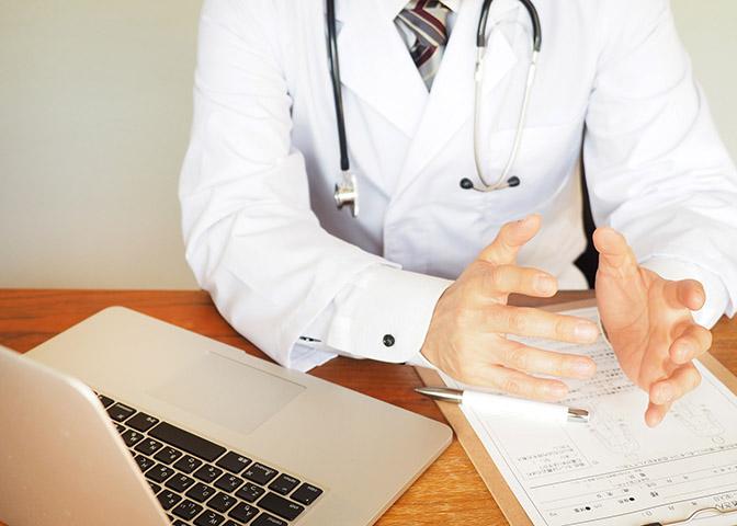 症状固定とは?症状固定を受け入れるべき時期と治療打ち切りへの対処法