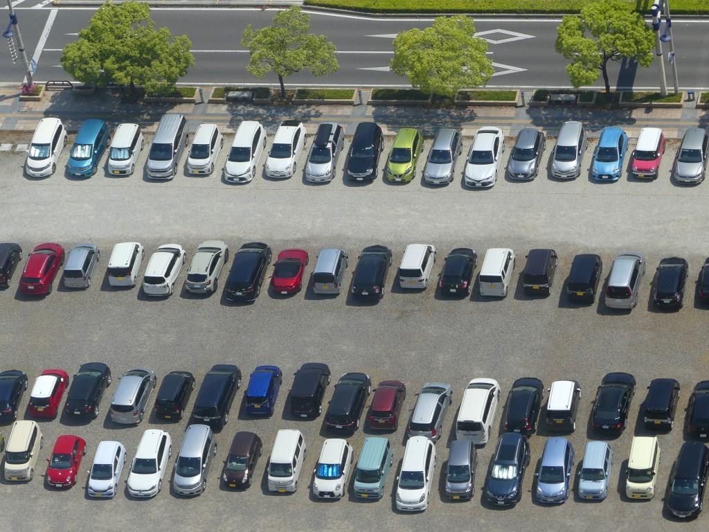 駐車場 高齢者事故