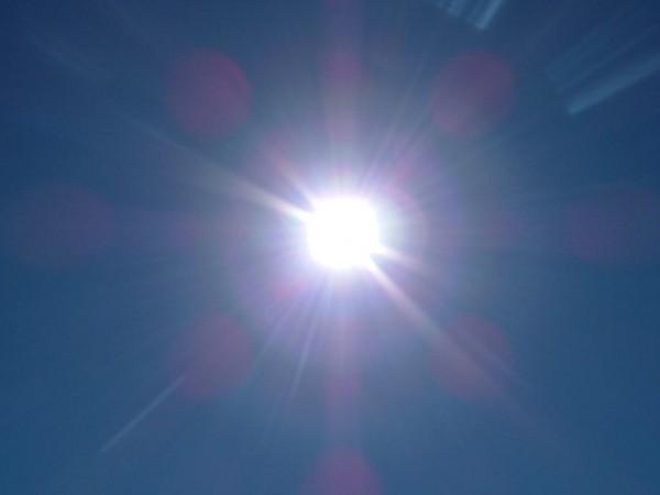 太陽の光を浴びる
