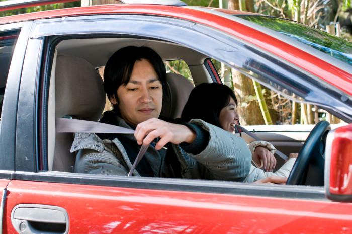 死亡事故の約4割がシートベルト非着用だった!運転者、同乗者が装着しないで乗車するリスクを解説。【滋賀県発】